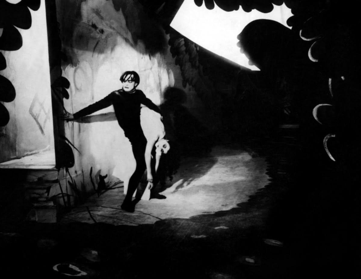 Expressionismo Alemão - O Gabinete do Dr. Caligari (1920) Direção: Robert Wiene